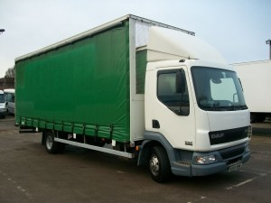 7.5 ton Curtainsider light truck