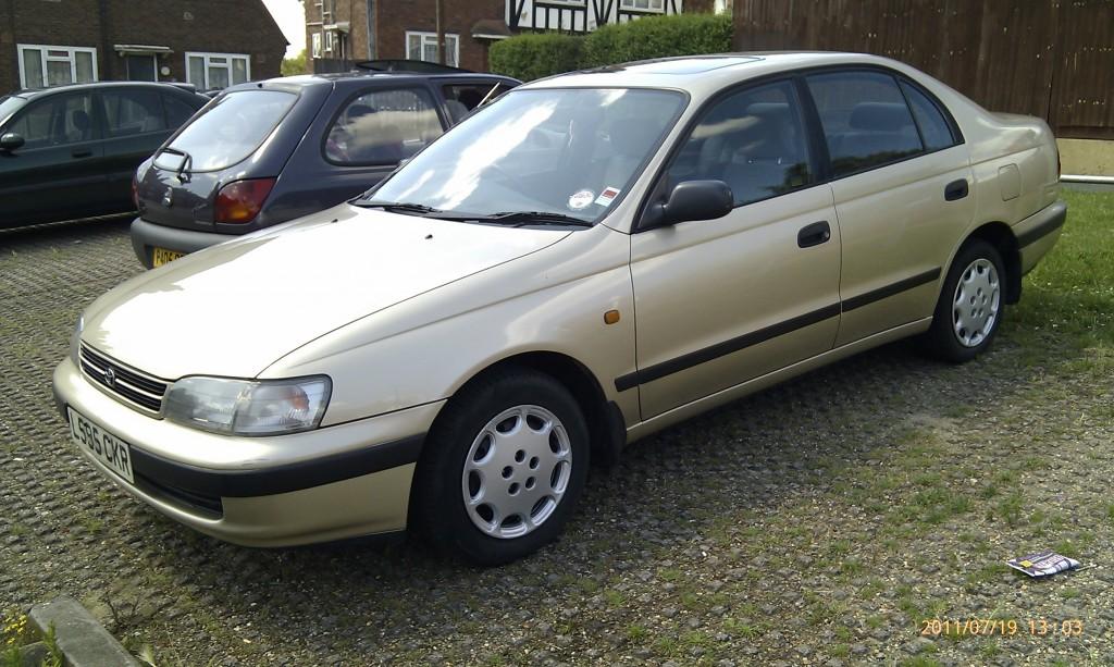 Toyota Carina E GLI - 01