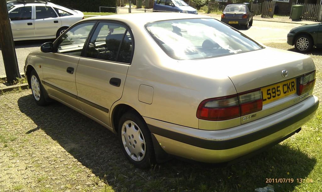 Toyota Carina E GLI - 02