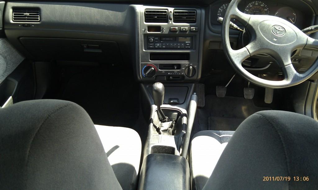 Toyota Carina E GLI - 08