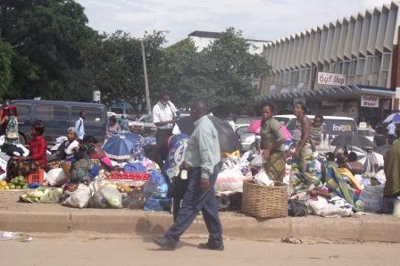 Vendors in car park - kitweonline
