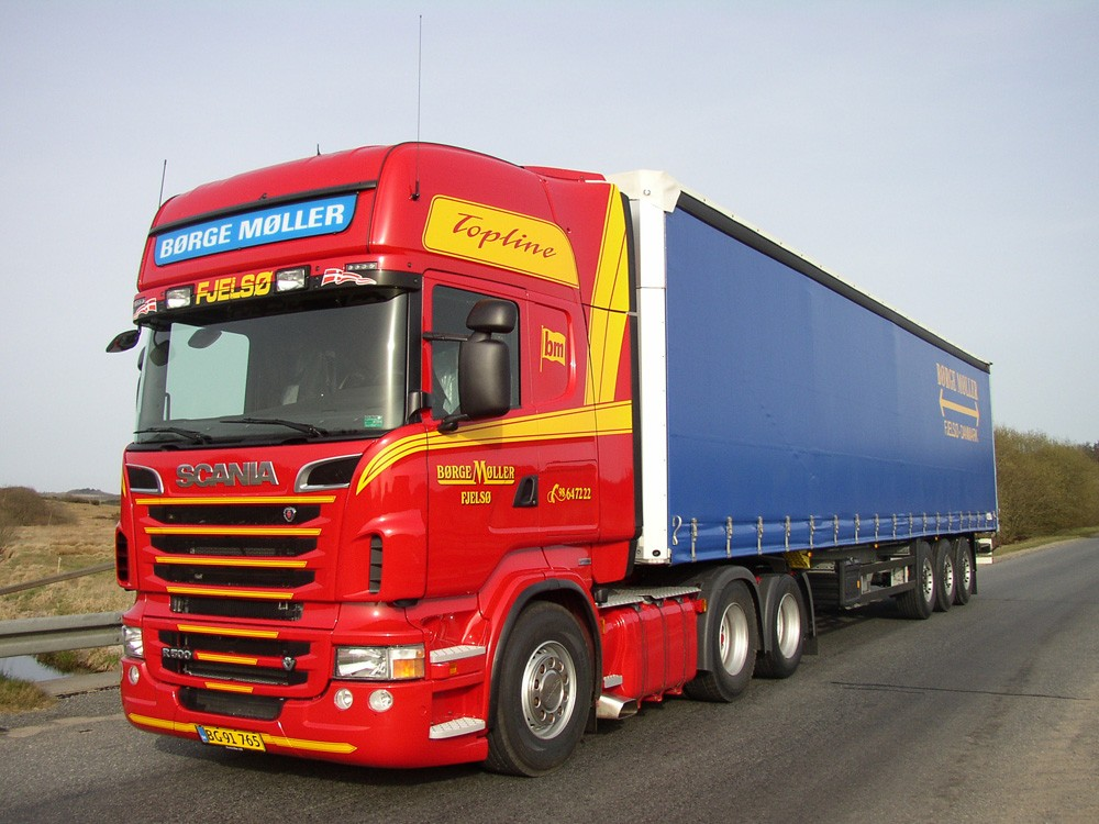 Scania with curtainsider trailer